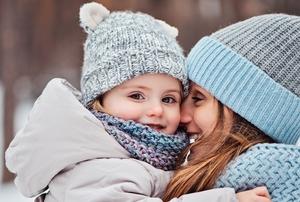冬の赤ちゃんとママ