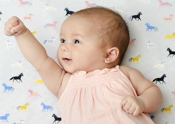 生後2ヶ月の赤ちゃん