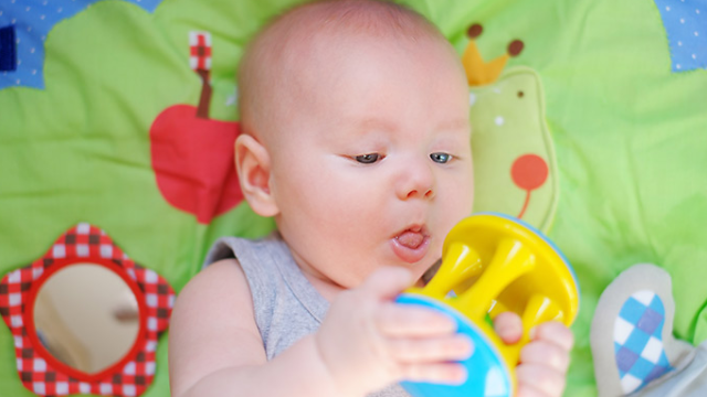 4か月の赤ちゃん